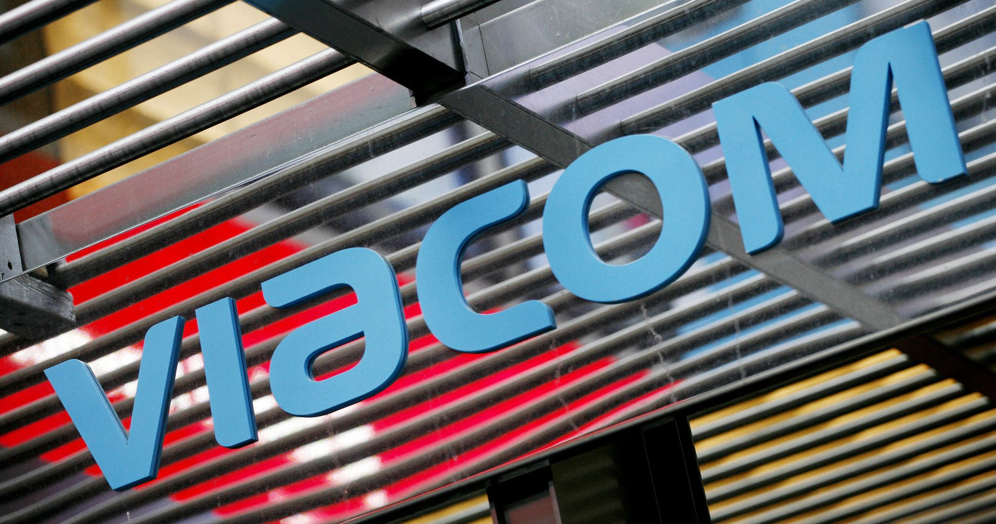 Viacom Buys Britain S Channel 5 Broadcasting For 760 Million Comedy Central Jokes For Kids Paramount Pictures