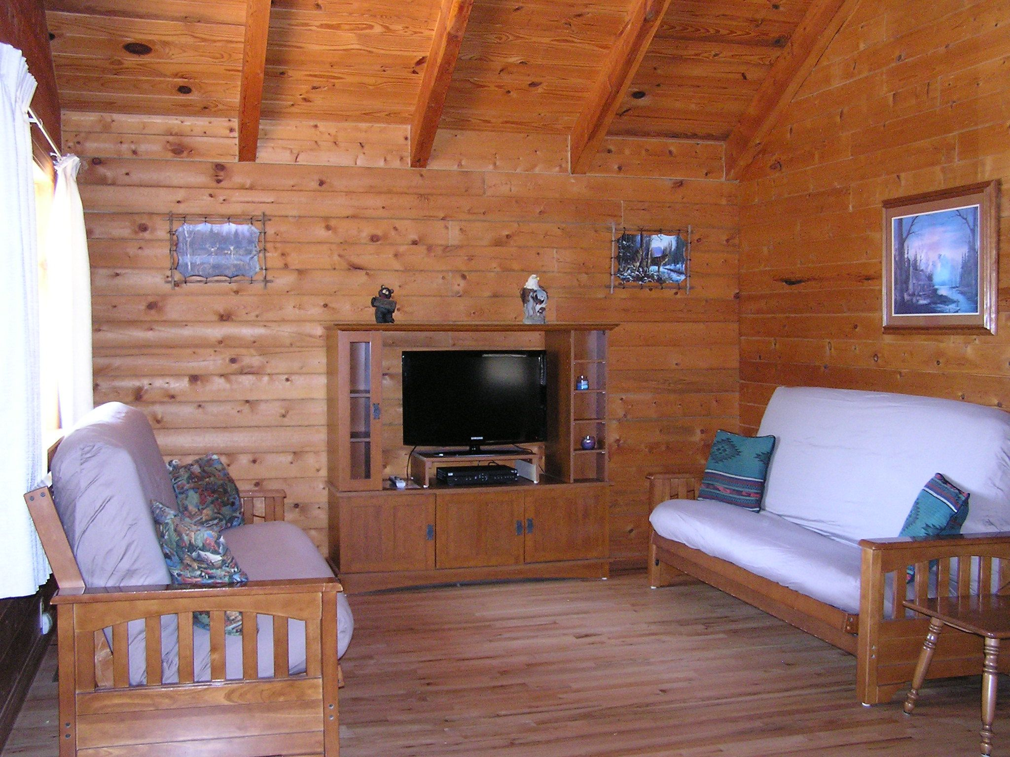Relax With All The Comforts Of Home Plus Water Sports Fishing Gorgeous Scenery And Individual Lakefront Cabins An Cabins And Cottages Table Rock Lake Resort