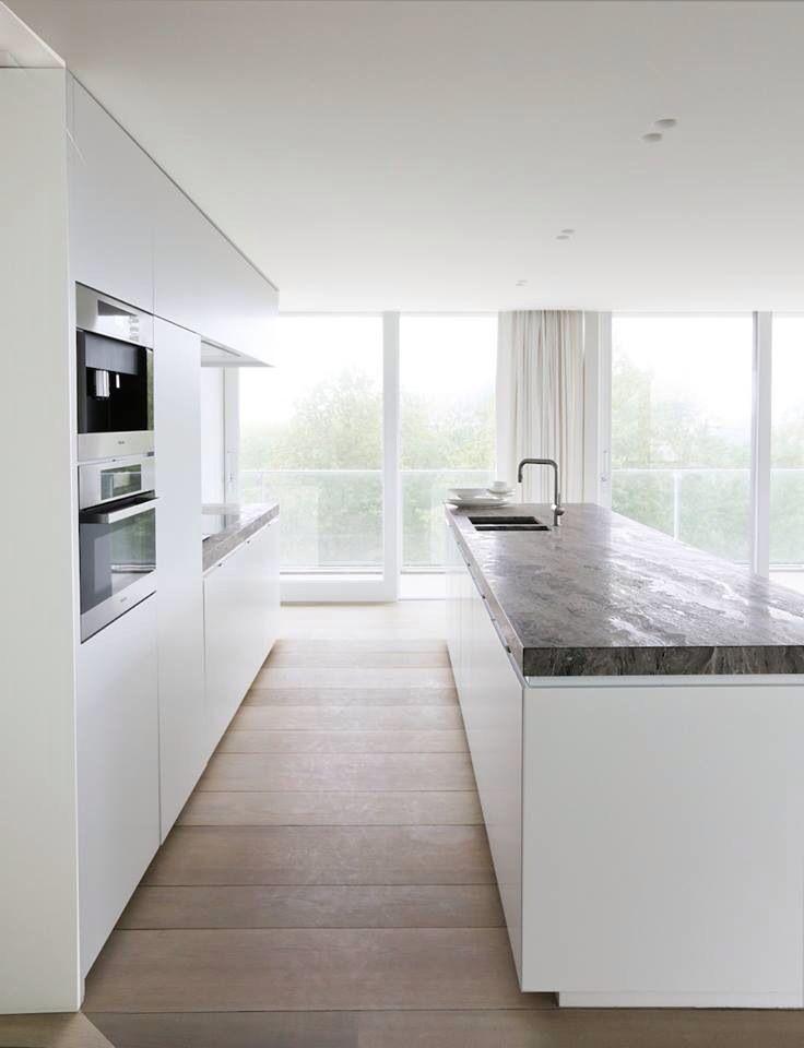 Pin By Benny Finaut On Architectuur En Binnenhuisinrichting Scandinavian Kitchen Design White Modern Kitchen Kitchen Design