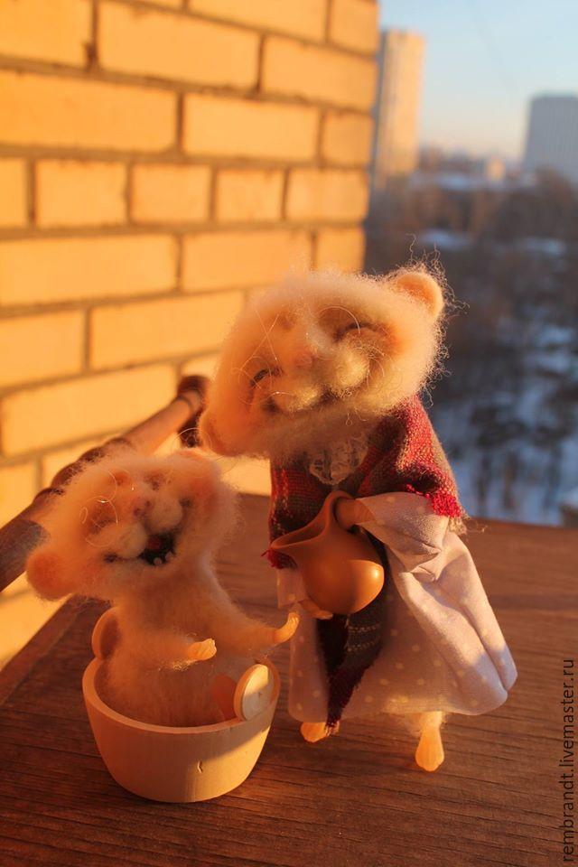 Купить Мышка умывается,солнцу улыбается!) - белый, войлочная мышка, шерсть