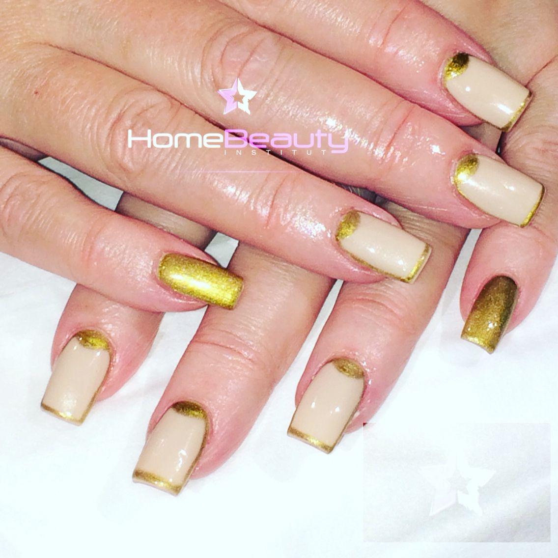 #nailart#switzerland#oro#extraterrestre#nude#hAndmade#homebeauty