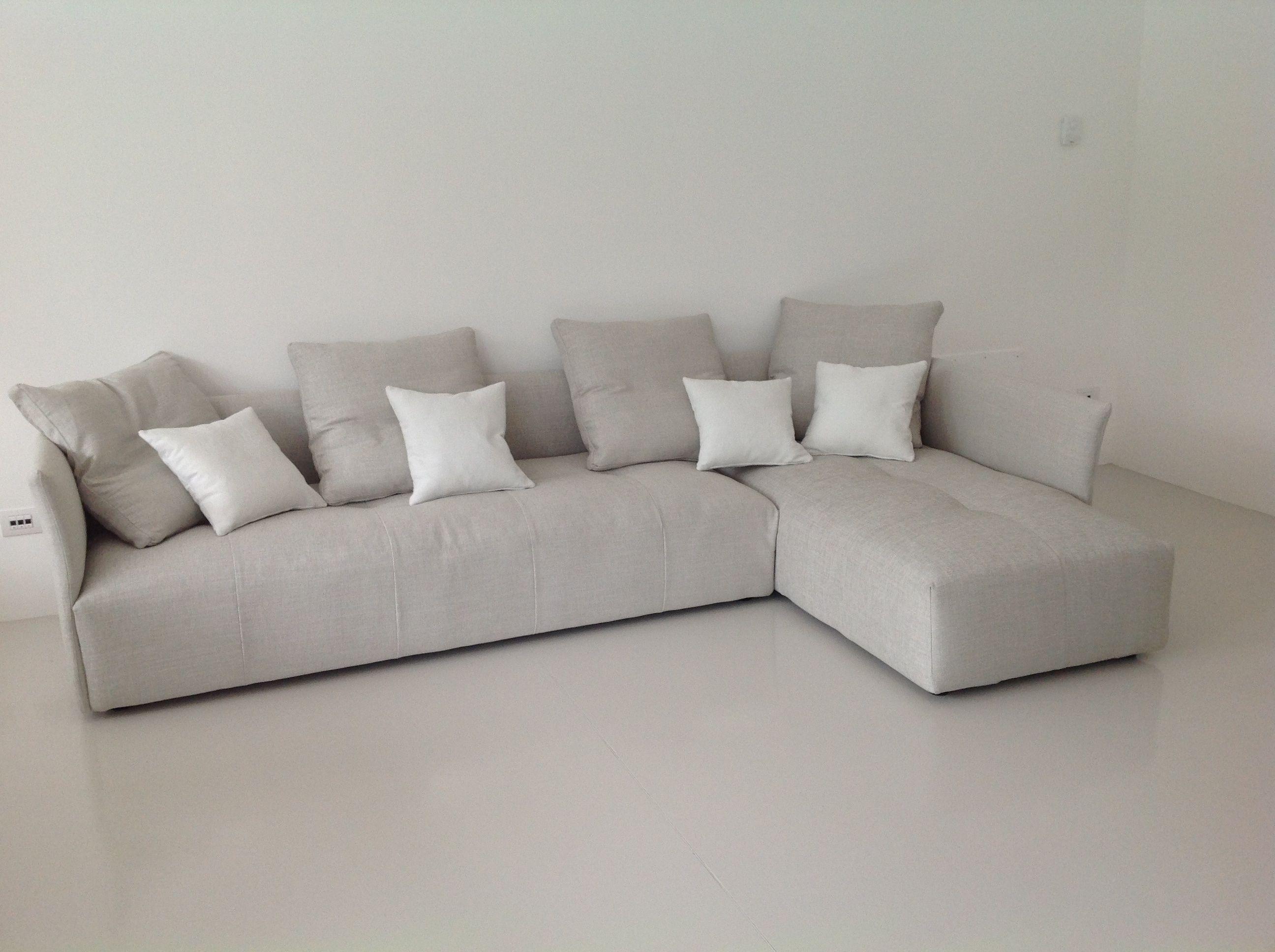 Divano componibile in tessuto braccioli slim per ridurre - Prodotti per pulire il divano in tessuto ...