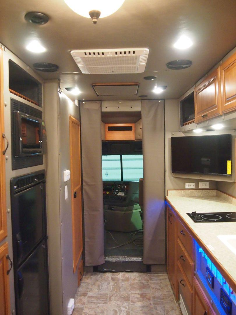 2015 Freightliner Cascadia With 144 Inch Ari Legacy Ii Rb Sleeper Truck Interior Big Rig Trucks Freightliner Cascadia