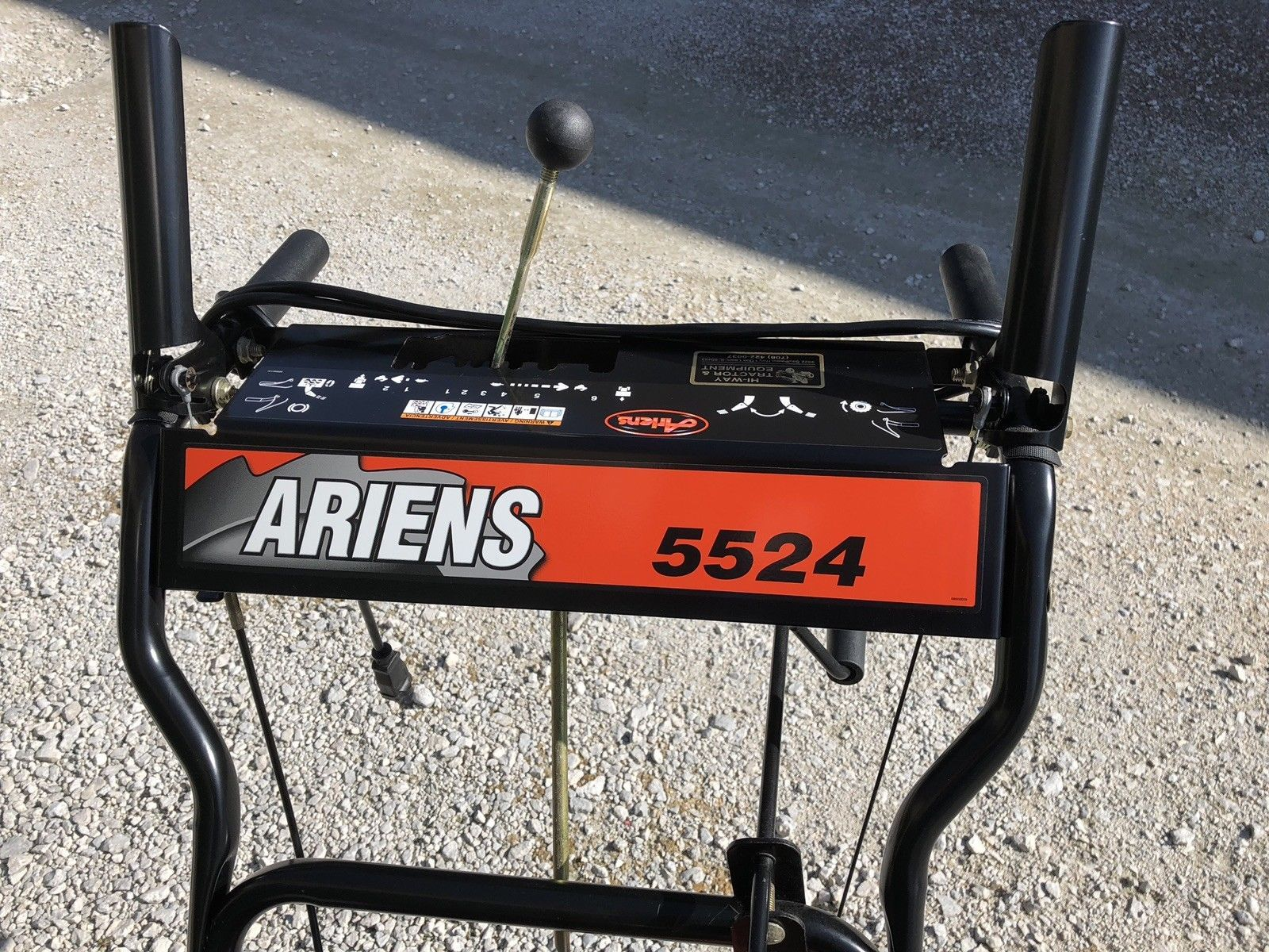 Ariens snowblower two stage electric start excellent