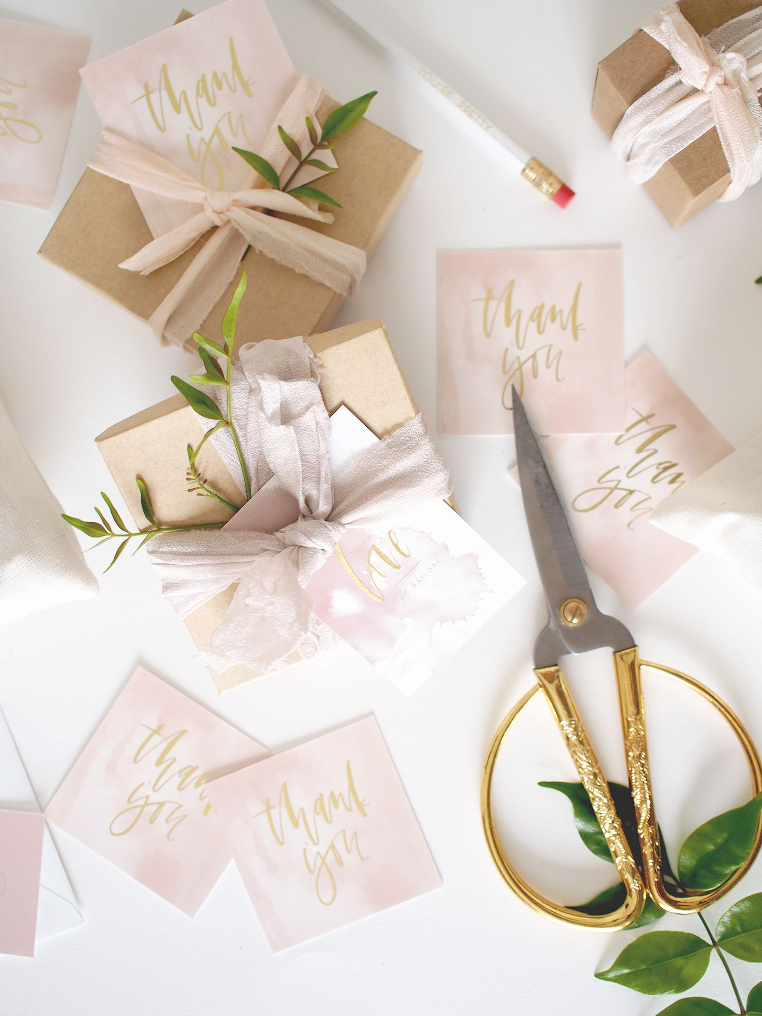 3 custom favor tags that will impress any guest Favors Wraps