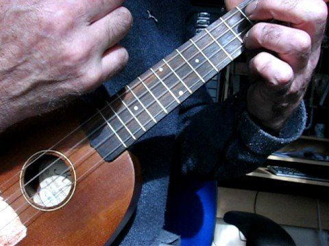 the BEST UKULELE STRUM IN THE NEW WORLD in standard tuning ...