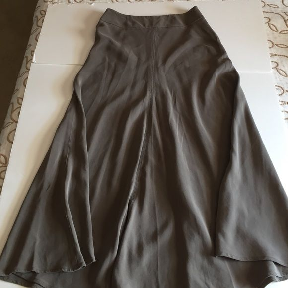 "Jones New York long skirt. 100% silk Jones New York long skirt. 100% silk. 34"" long. Nice piece for next fall season. Jones New York Skirts"