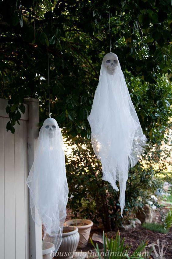 Easy 3 Spooky Skull Ghosts Diy Halloween Outdoor Decorations Halloween Ghost Decorations Halloween Diy Outdoor
