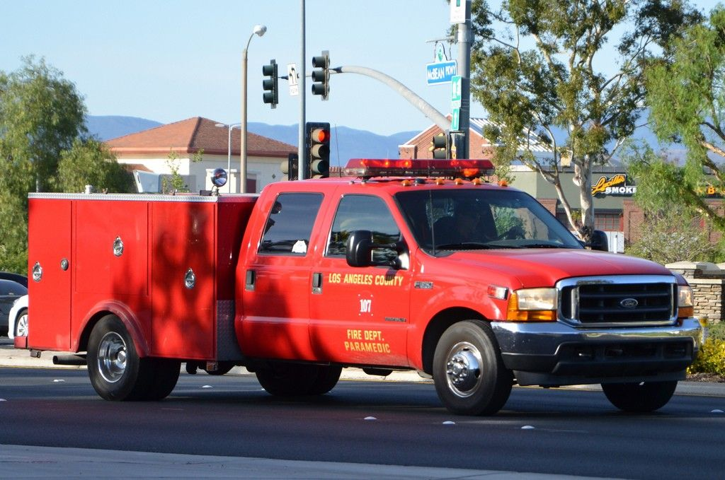 Pin By Mau Rodriguez On Lafd Fire Trucks Emergency Vehicles Fire Engine