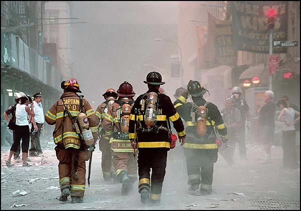 9 11 Aftermath Raising The Flag At Ground Zero A Fireman S Life Pride Of America Patriotic Poems History