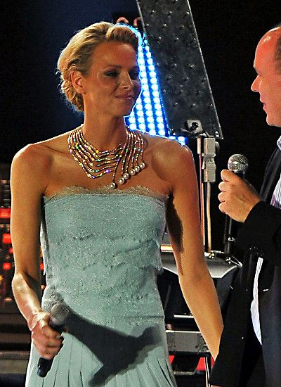 """Princess Charlene of Monaco and the jeweler Nagib Tabbah jointly designed the necklace """"Infinite Cascade"""" that Charlene has created during her wedding reception in 2011. consists of red gold with diamonds in 1237 (56 carat) and six pear-shaped, white pearls. As a gift, the Princess also received two modern tiaras, the """"Diamond Foam"""" and """"Ocean"""". Best conditions to shine with exquisite jewelry also at royal events."""