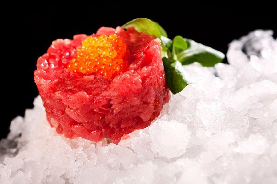 Tartar de atún rojo salvaje, con huevas de salmón. Una creación del Restaurante Antonio