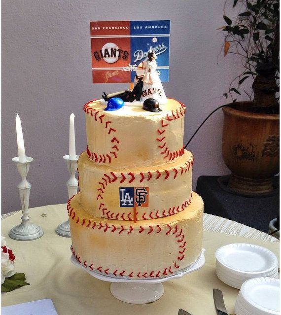 wedding cake places in san francisco baseball san francisco giants and la dodgers house divided 23491