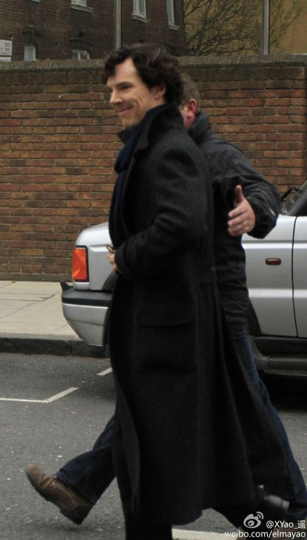 #Setlock #Sherlock #BenedictCumberbatch smiling at the waiting fans...