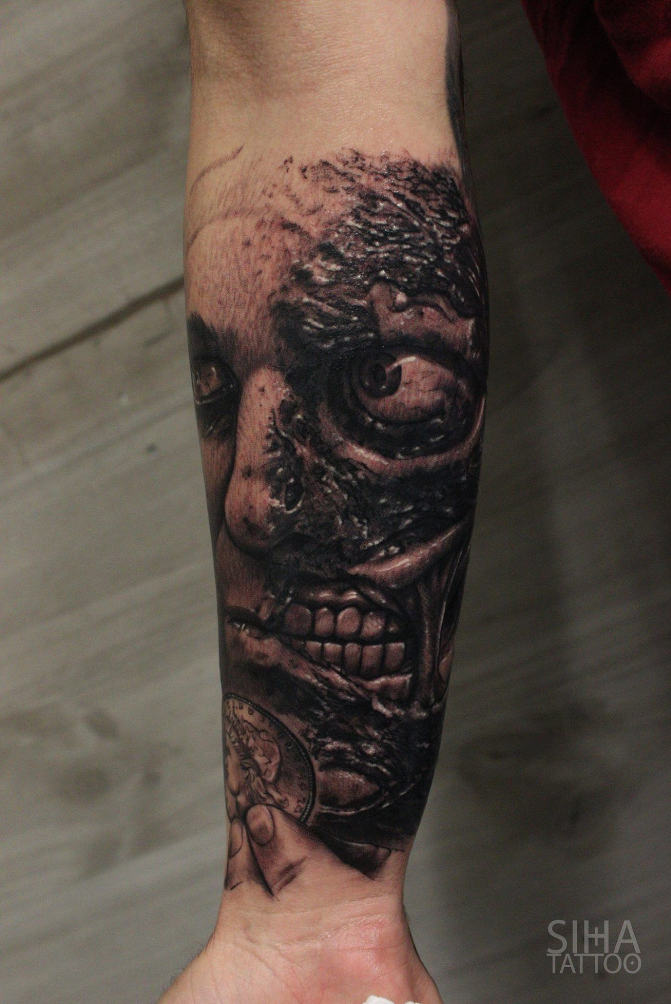 Two-face / Dos Caras Tattoo by Mocho at Siha Tattoo