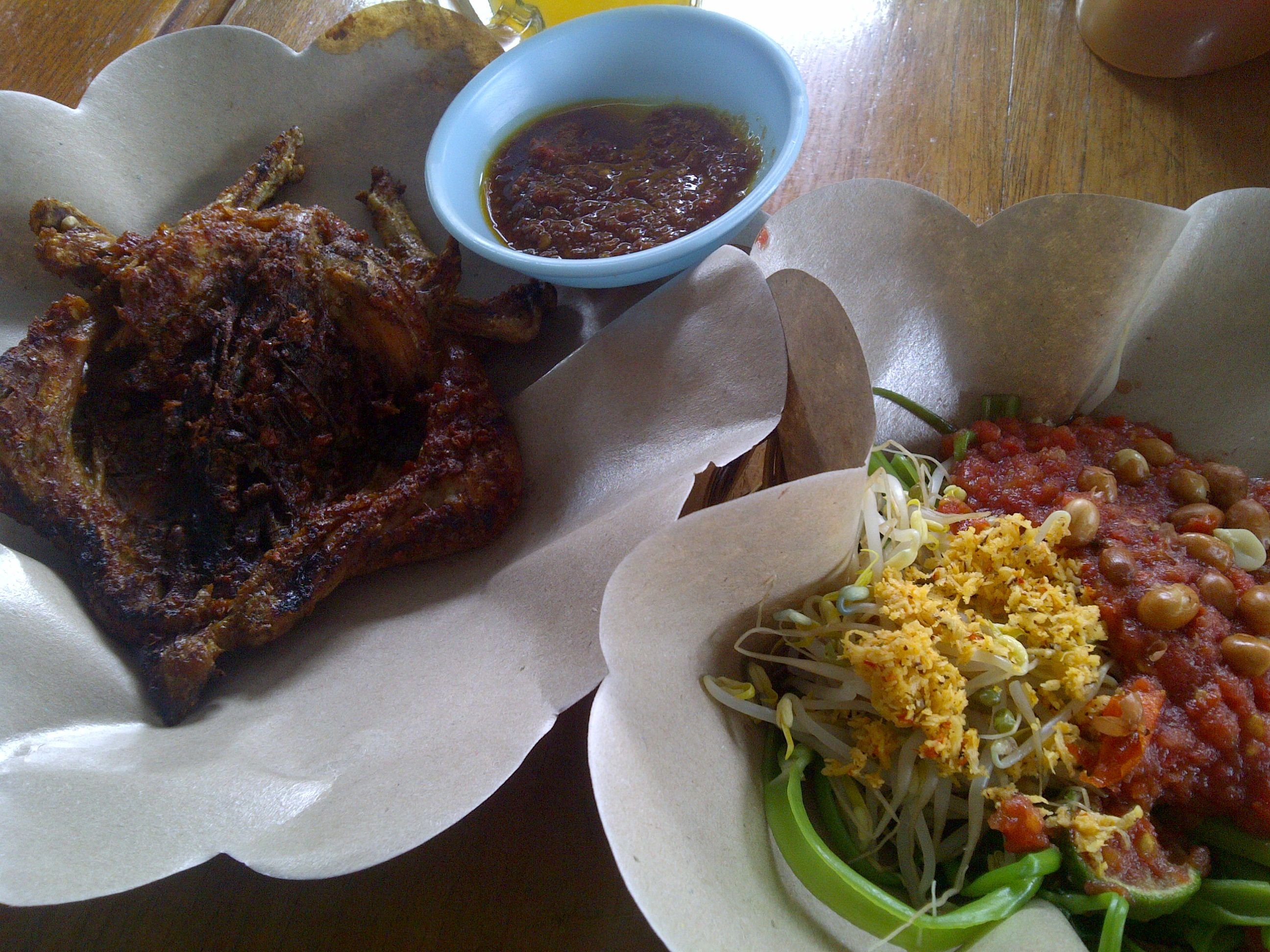 Ayam Pelecing