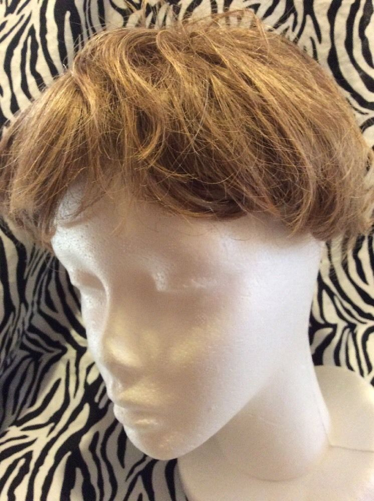 Paula Young Wig Topper Clip On Womens Short Wavy Light Brown No2