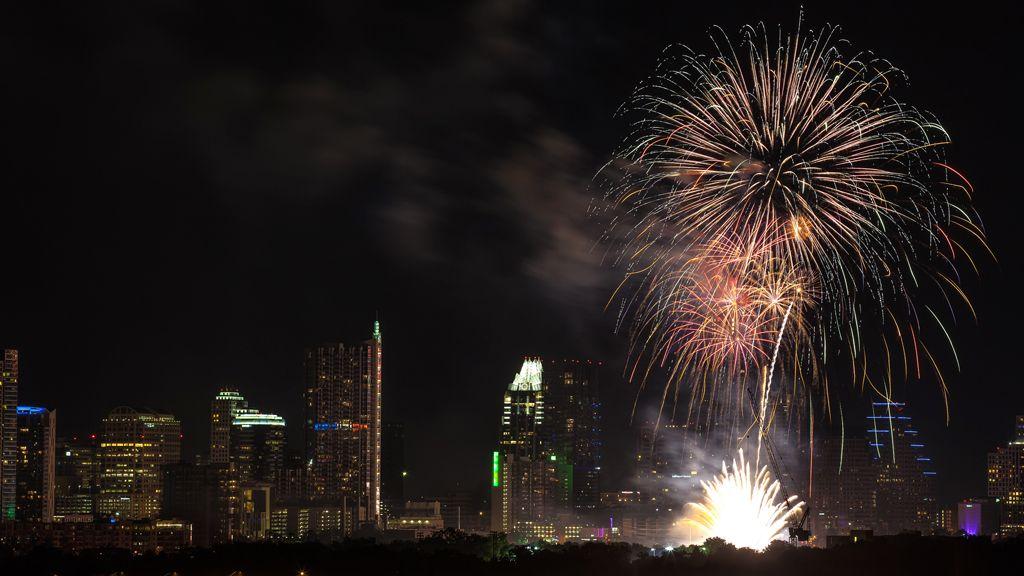 auditorium shores lady bird lake fireworks new years eve