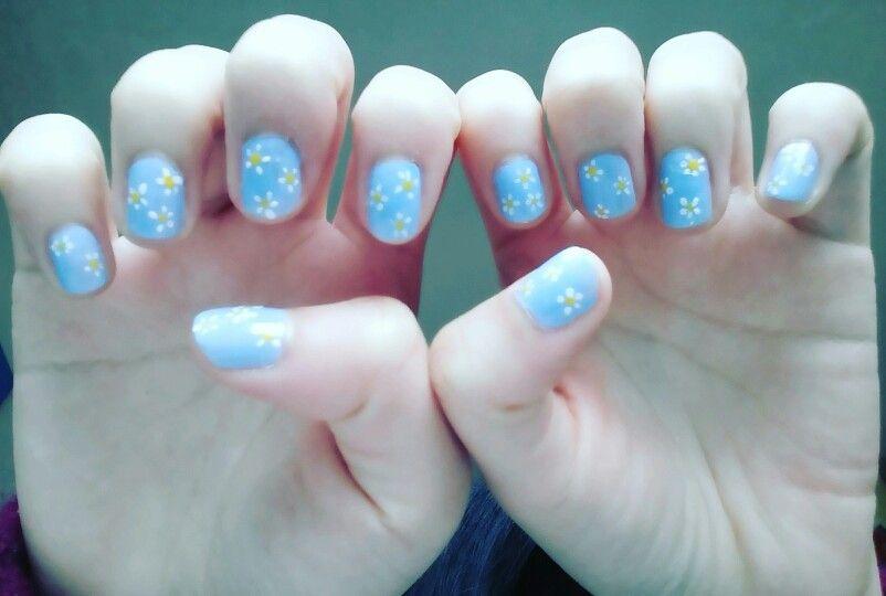 Daisy nail (花都開好了)