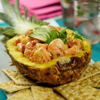 Piña Rellena de Ensalada Hawaiana con Camarones