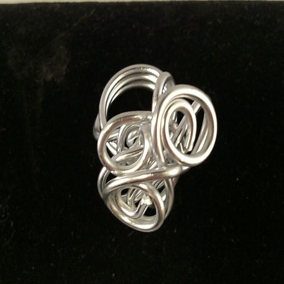 Beautiful Wire Ring This is handmade ring using thick wire. Very cool Hand Crafted Jewelry Rings