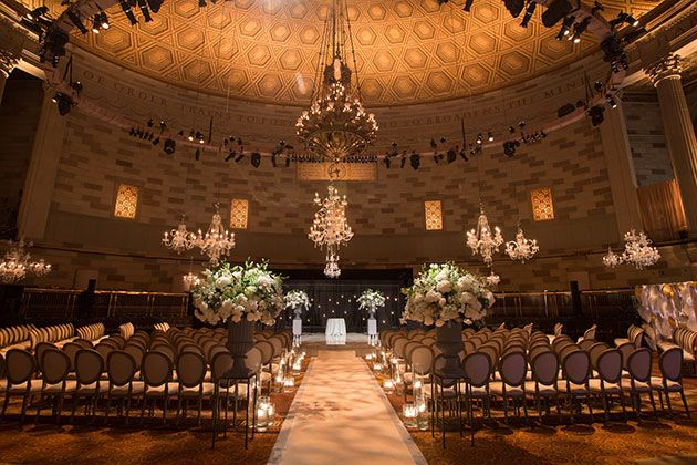 Brides This Transformed New York City S Gotham Hall For Their Great Gatsby Inspired