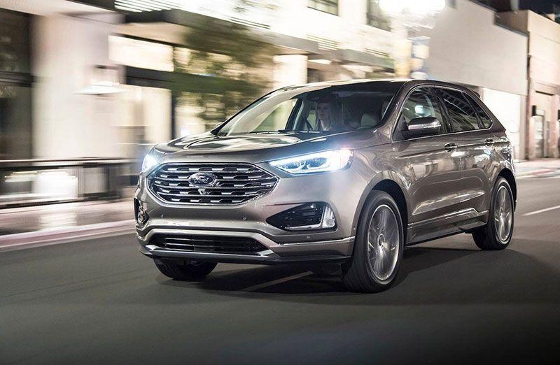 Ford lanza la versión Titanium de New Edge Ford edge