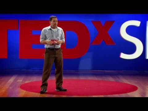 [3] - TEDxSP 2009 - Osvaldo Stella conta um pouco de sua experiência na Amazônia, ele menciona aspectos da inclusão tecnologica em alguns lugares e qual efeito isso tem sobre as pessoas que moram lá.