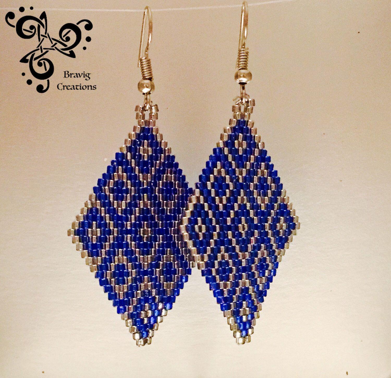 Pendiente Azul Cobalto Y Plata Perlas Por Miyuki Tejido De Punto De Ladrillos De Bravigcreations En Etsy H Brick Stitch Earrings Bead Work Jewelry Bead Work