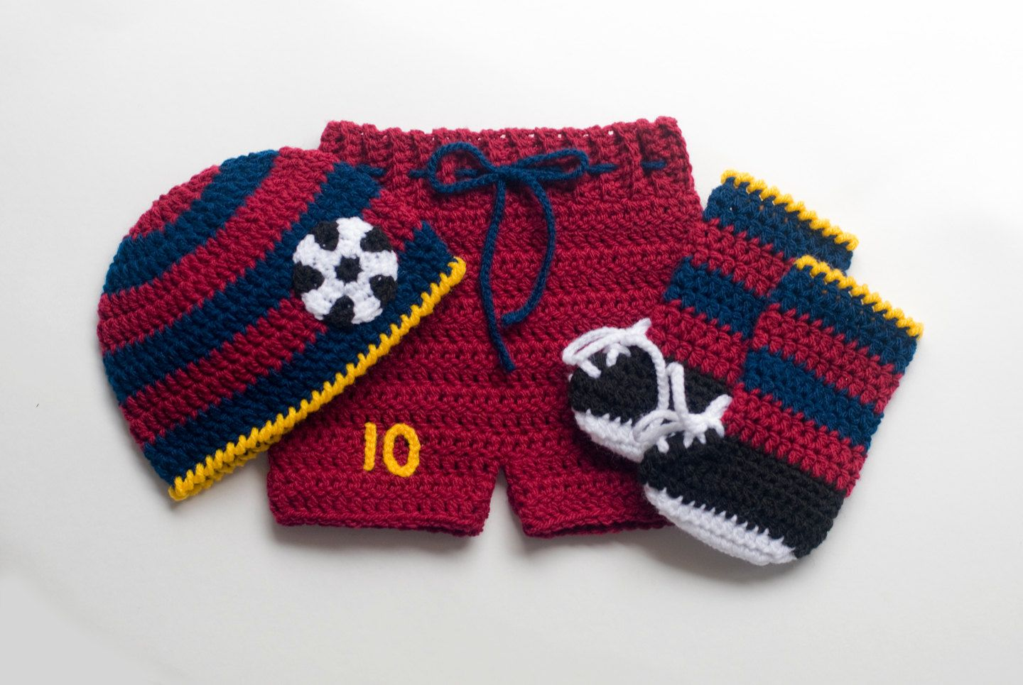 great for baby photoshoot,and maternity photoshoot and booties Baby blanket crochet set short with suspenders beanie