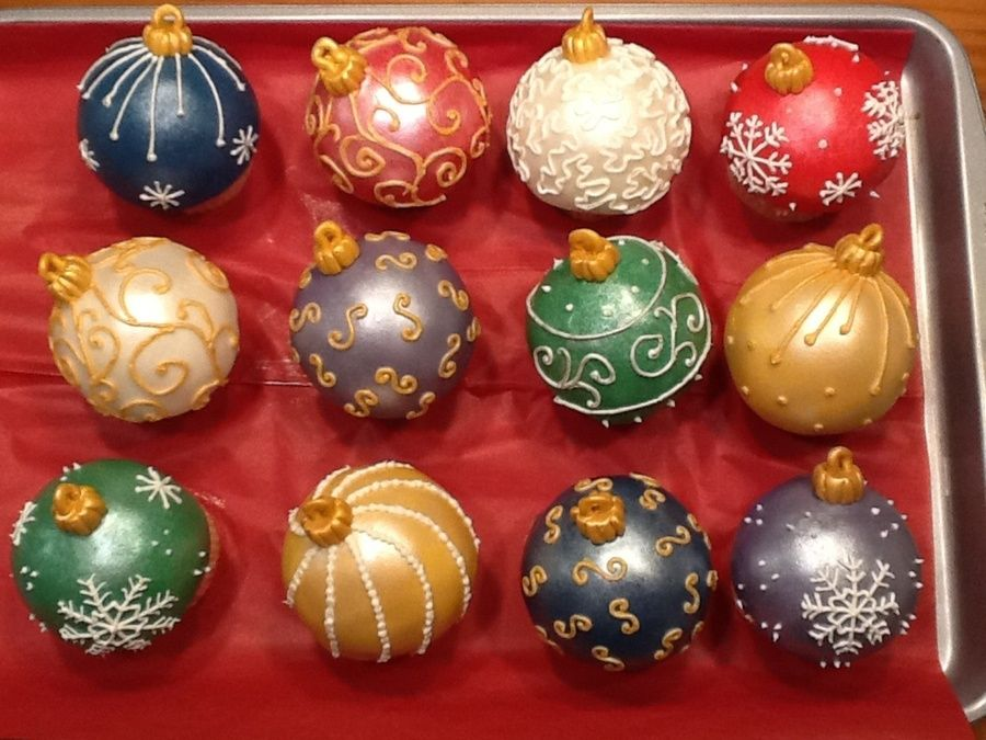 Pin by Regis MG on Christmas | Christmas cake pops, Christmas cake balls, Christmas cupcakes decoration