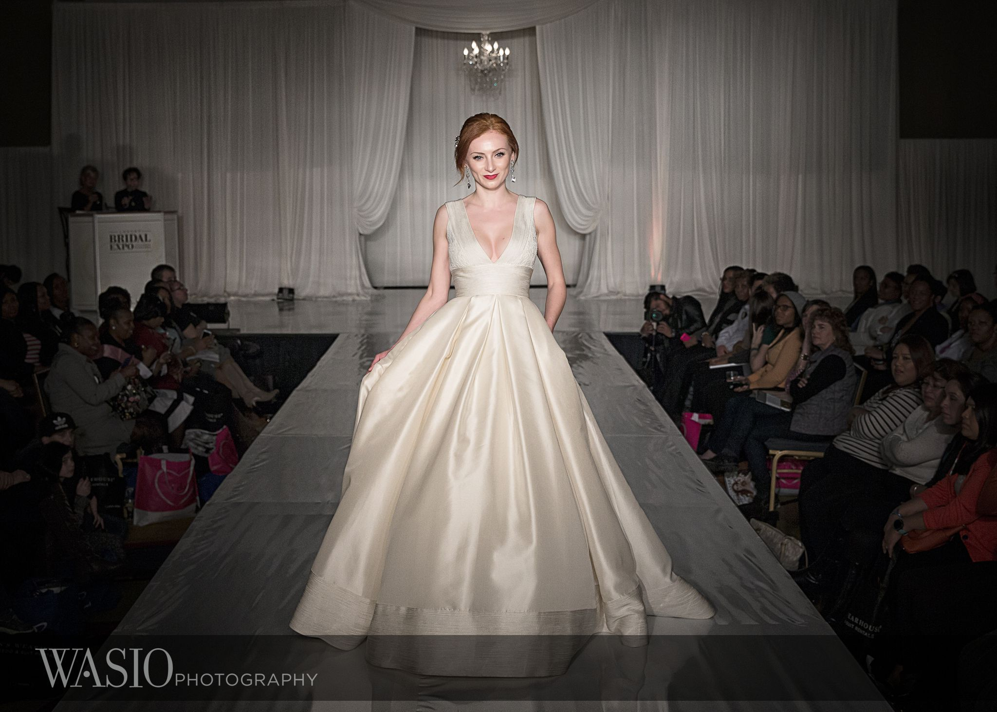 Spectacular Weddingdress From Chicago Luxury Bridal Expo Weddingexpo Bridalexpo Annebarge Weddingidea