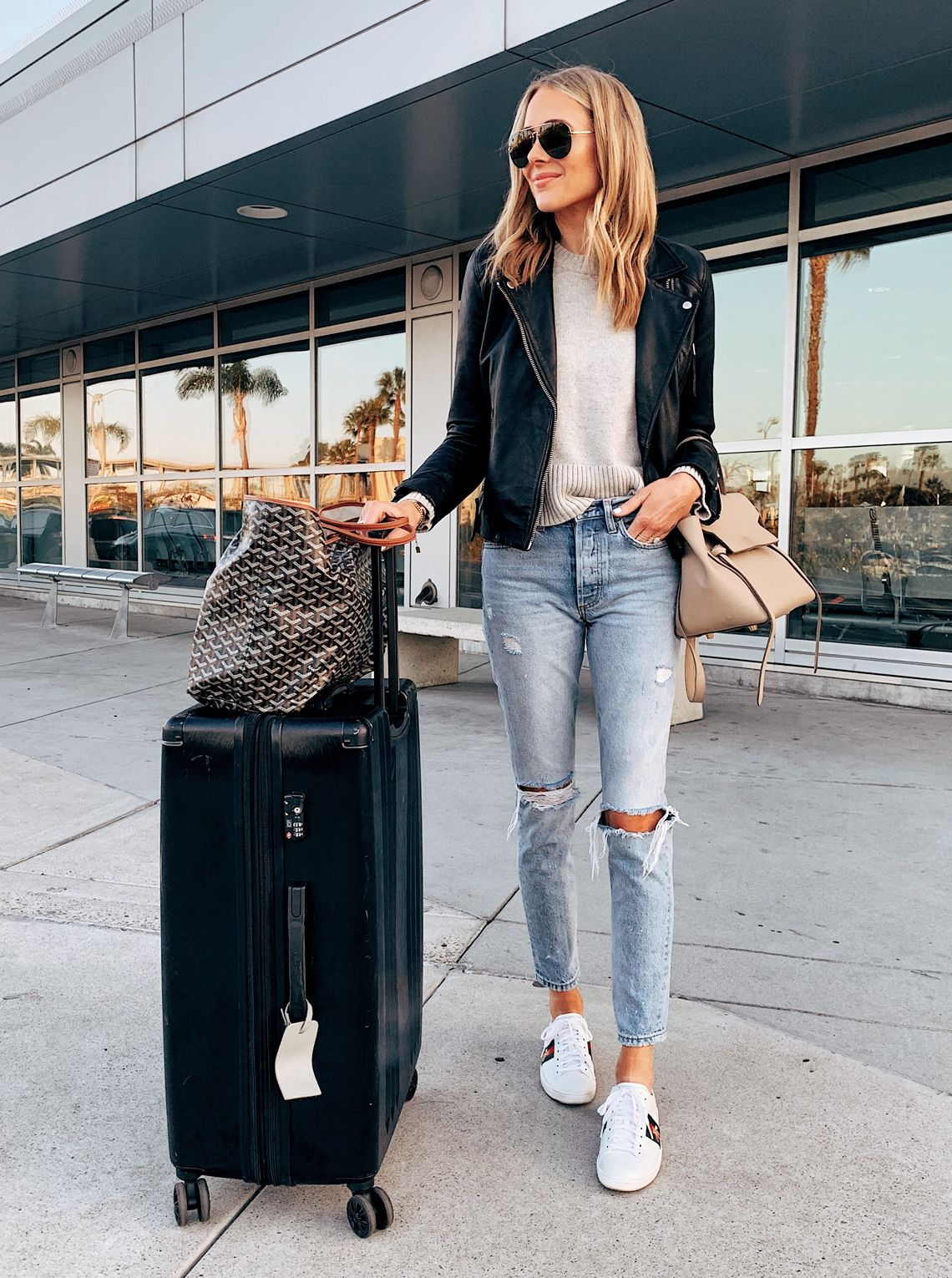 Ripped Jeans Gucci Ace Sneakers Airport