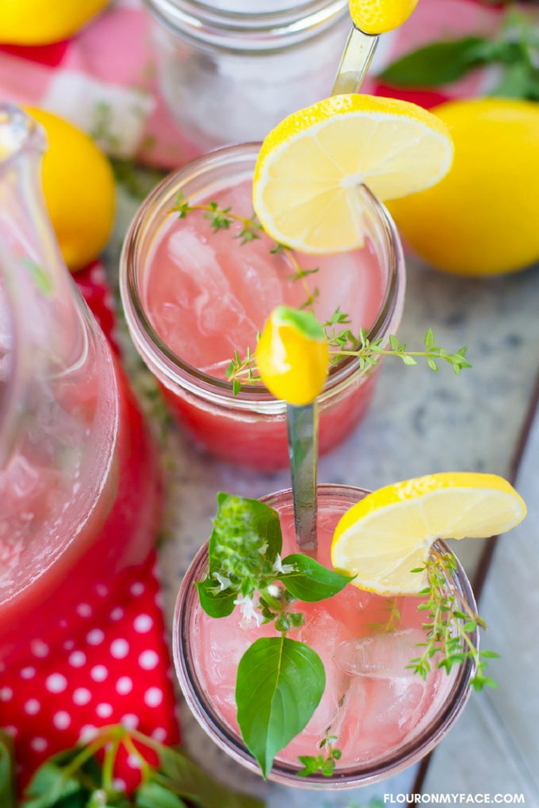Watermelon Thyme Lemonade #flavoredlemonade