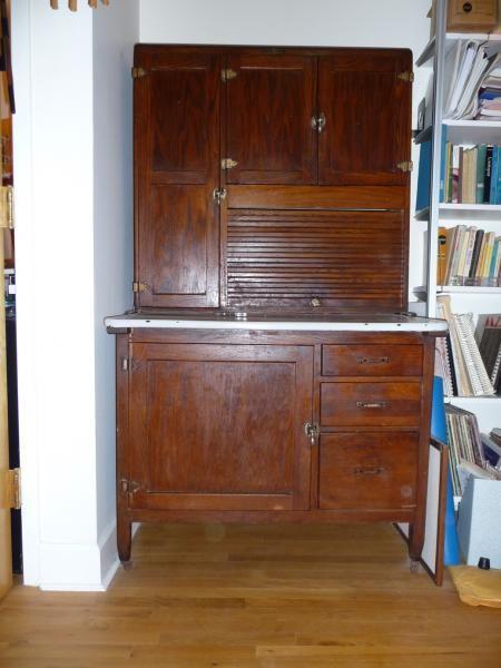 Napanee dutch kitchenet coppes napanee hoosier hutch for Kitchenette furniture
