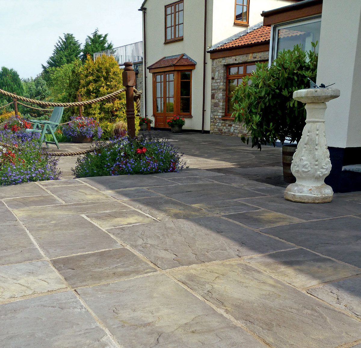 Bradstone Old Town Paving Patio Pack