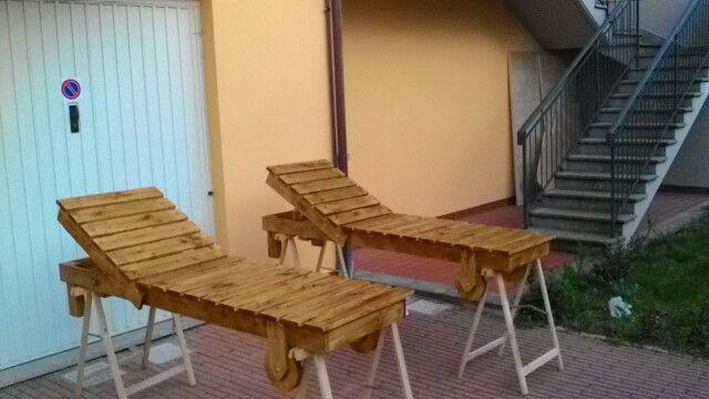 Assi Di Legno Rustiche : Sdraio rustiche con ruote in legno e livelli di altezza fatte