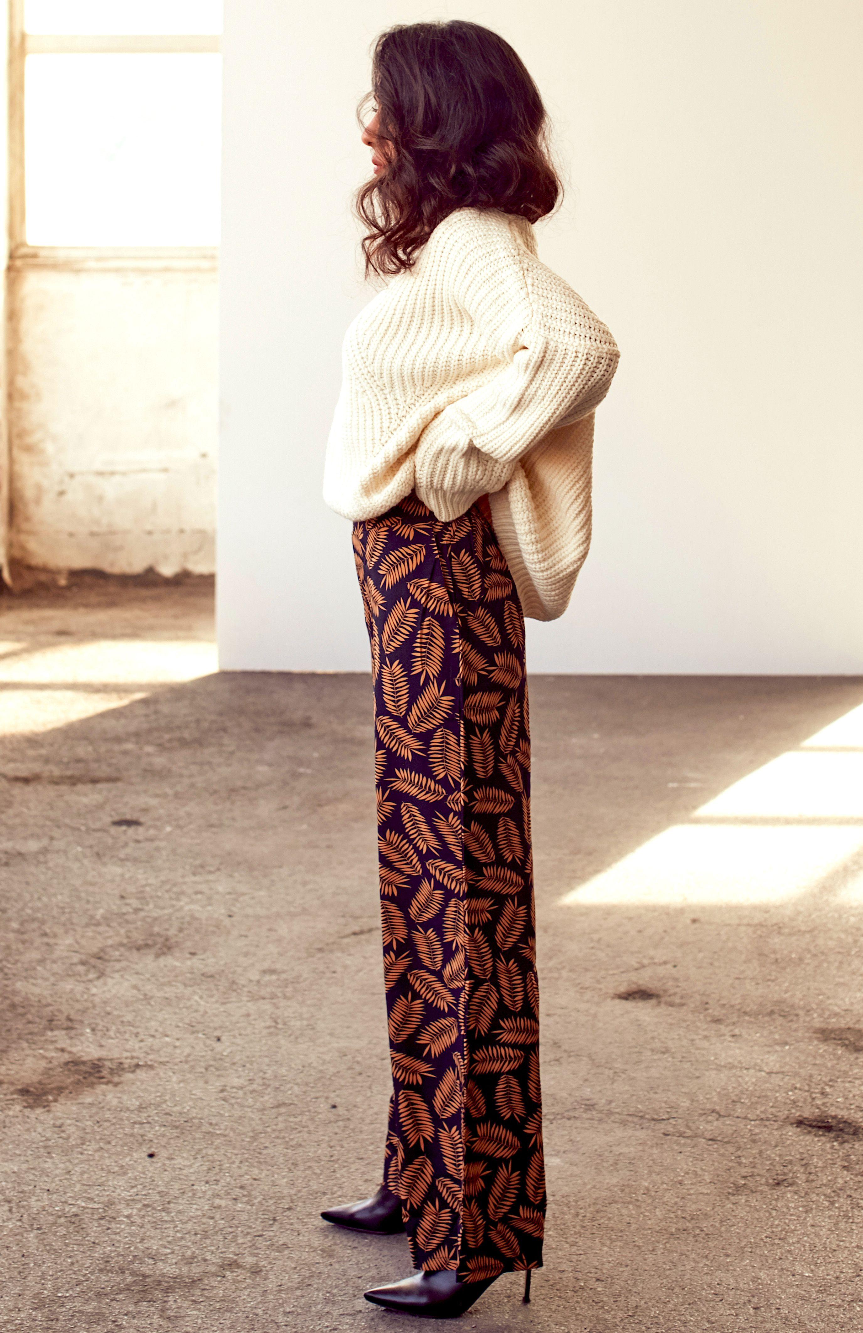 14c8011ed7e Floral Flared Pants   Shop on SHEISREBEL.COM #sheisrebel #fashion #style #