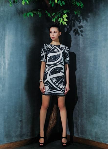 Bermain Tekstur | Femina | Concept/ Stylist : Aulia Fitrisari, Annabella Siahaan. Talent : Misha. Photographer : Irvan Arryawan.