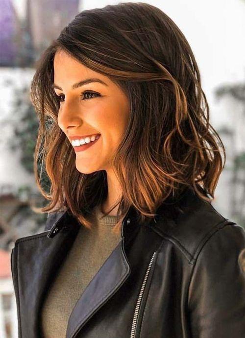 Mittellange Haare Haarschnitt Braun In 2020 Frisuren Schulterlang Schulterlanges Haar Schulterlange Haare Frisuren