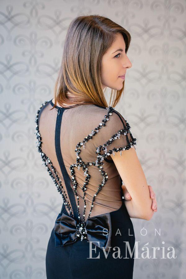 f312bc1d6d29 Dlhé čierne úzke šaty na ples s holým chrbtom s kamienkami