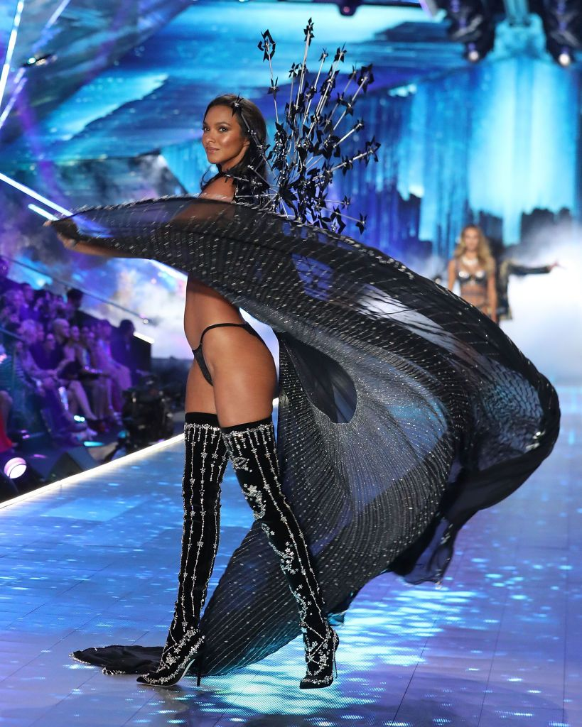 Yael grobglas hot XXX video Any bby_lisaj Admire me,Emily ratajkowski almost topless halloween los angeles