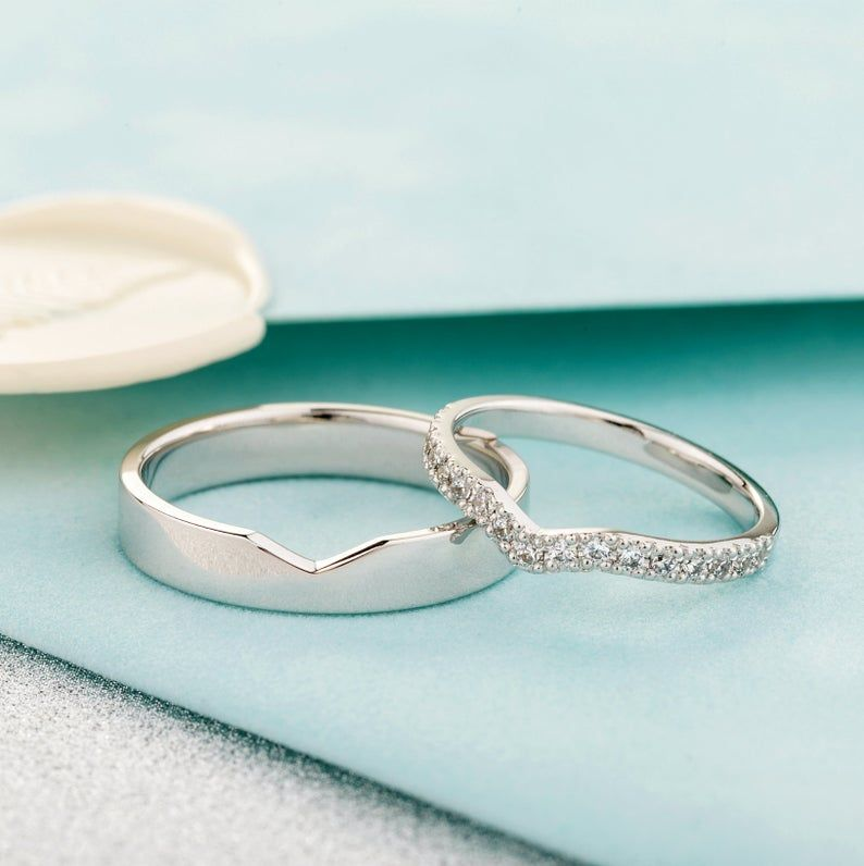 Beautiful Matching Wedding Bands With Diamonds In Her Ring Unique Wedding Bands Diamond Wedding Bands Matching Wedding Bands Rose Gold Engagement Ring