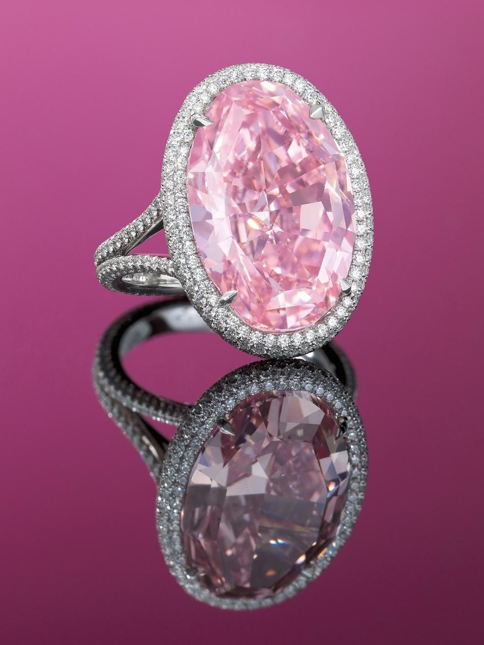 14-Carat Pink Diamond Could Fetch $42 Million At Christie\'s Hong ...