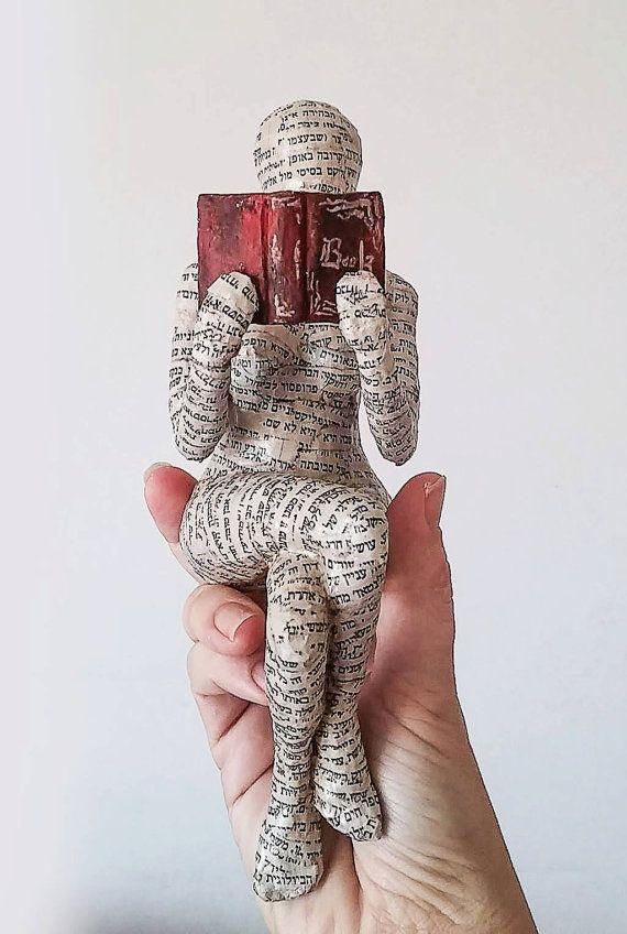 Lecture de femme sculpture en papier mâché objet de collection pièce unique sculpture