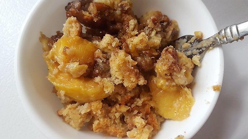 Peach Cobbler Pound Cake ~ Teadoddles #peachcobblerpoundcake