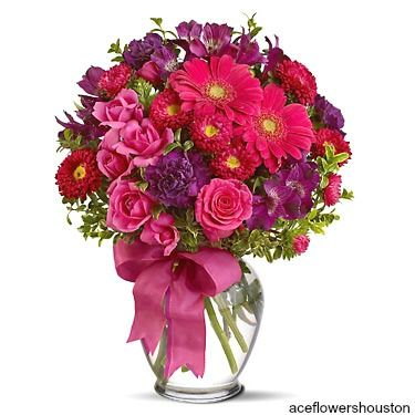 An easy way to make someone smile! We have a wide variety of #Online_Flowers.