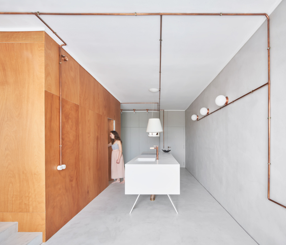 Barcelona Apartments: Barcelona Apartment By Cometa Architects Takes Cues From
