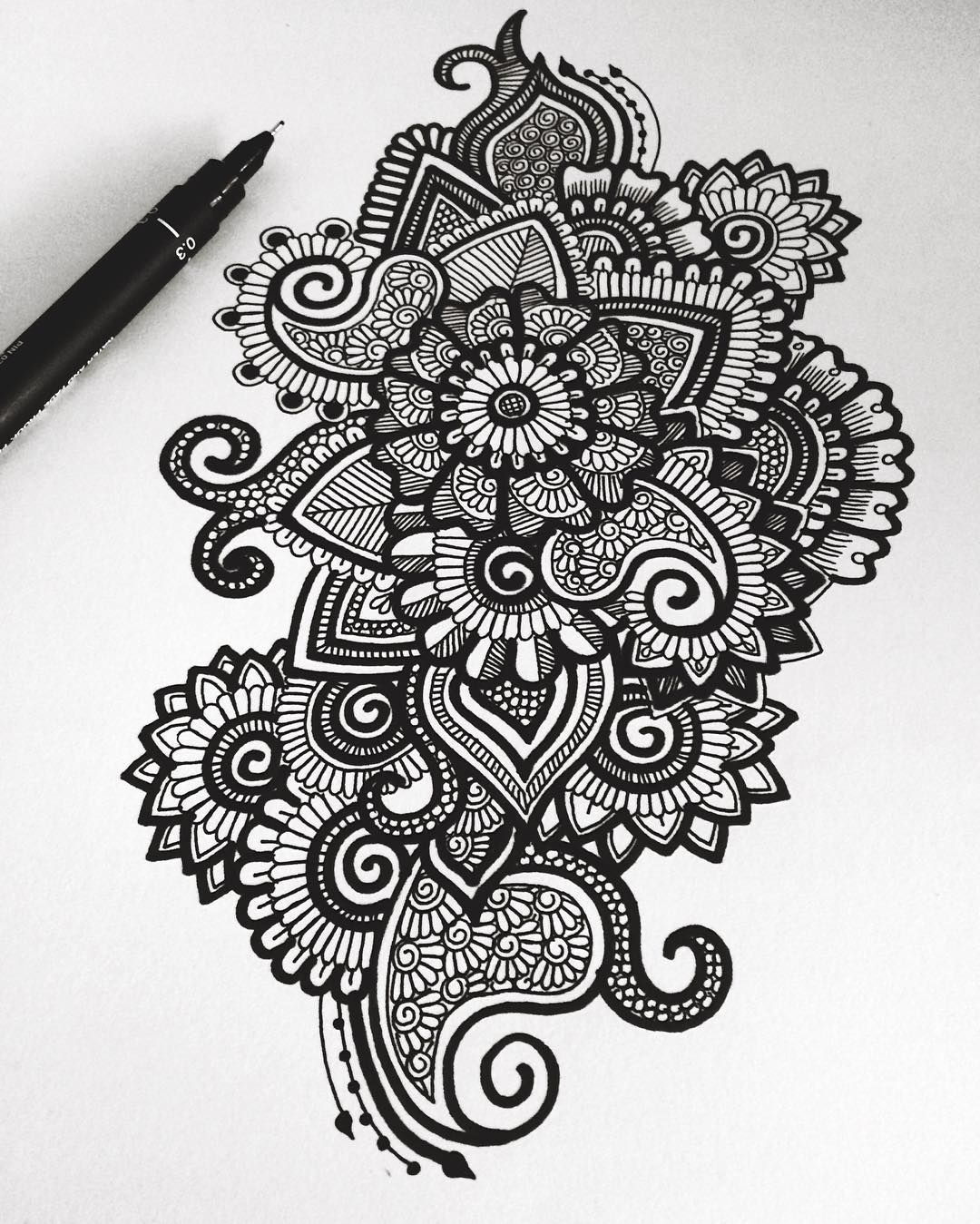 """4,481 Likes, 30 Comments - Simran Savadia (@floral.art) on Instagram: """"Black and white doodle   Hope everyone is having an awesome day!❤️ -♡-…"""""""
