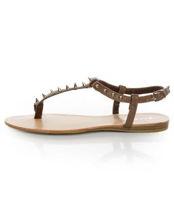 Bamboo Steno 20 Taupe Toe Ring T Strap Spiked Sandals